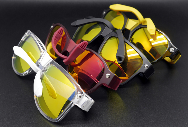 BÆNDIT glasses will twist and color your fashion world