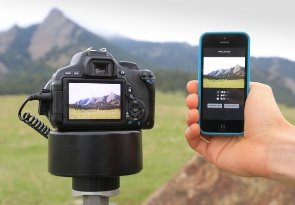 Radian 2 makes regular cameras cool again, provides wireless time lapse effect