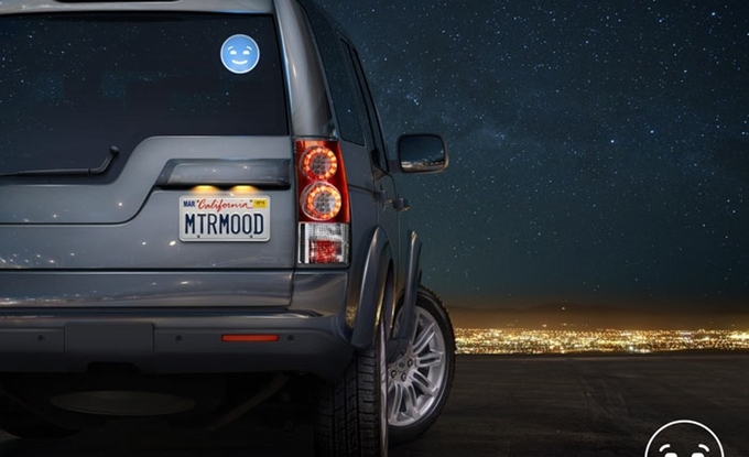 "Motomood LED ""automoticon"" offers smiles as you pile on miles"