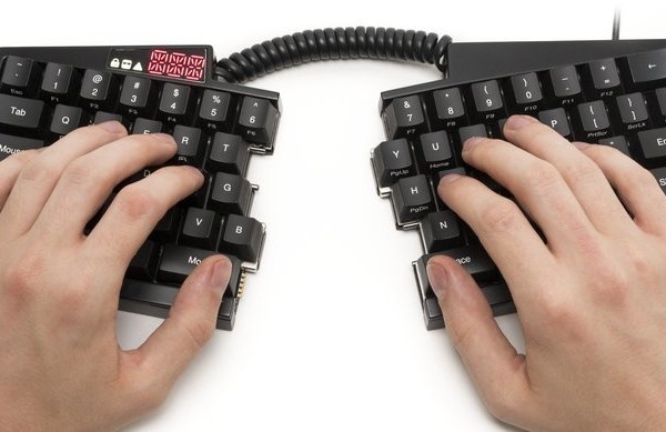 Ultimate Hacking Keyboard makes programmable typing a split decision
