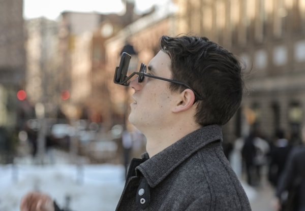 2VR foldable VR glasses lets you keep whole worlds in your pocket