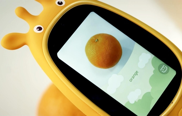 Miraffe connected playmate puts a digital portal in the hands of kids