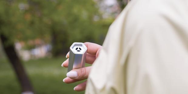 Breathe portable air purifier keeps an ion irritants