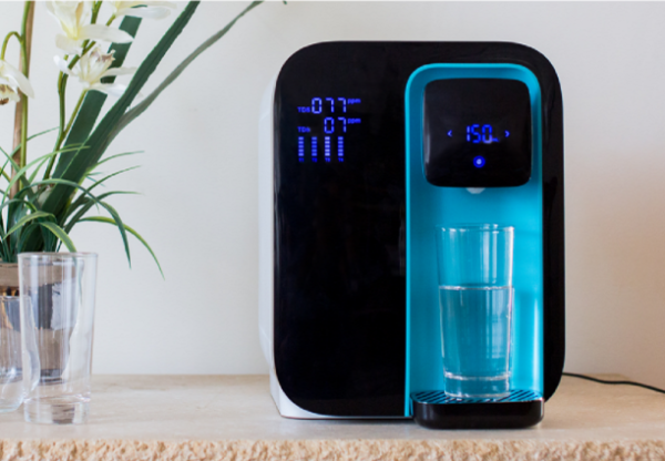 The WaterO purifies H2O at the touch of a button